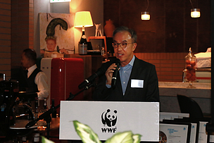 Mr Philip Mok, Trustee and Executive Council Member of WWF-Hong Kong is giving the opening remarks.